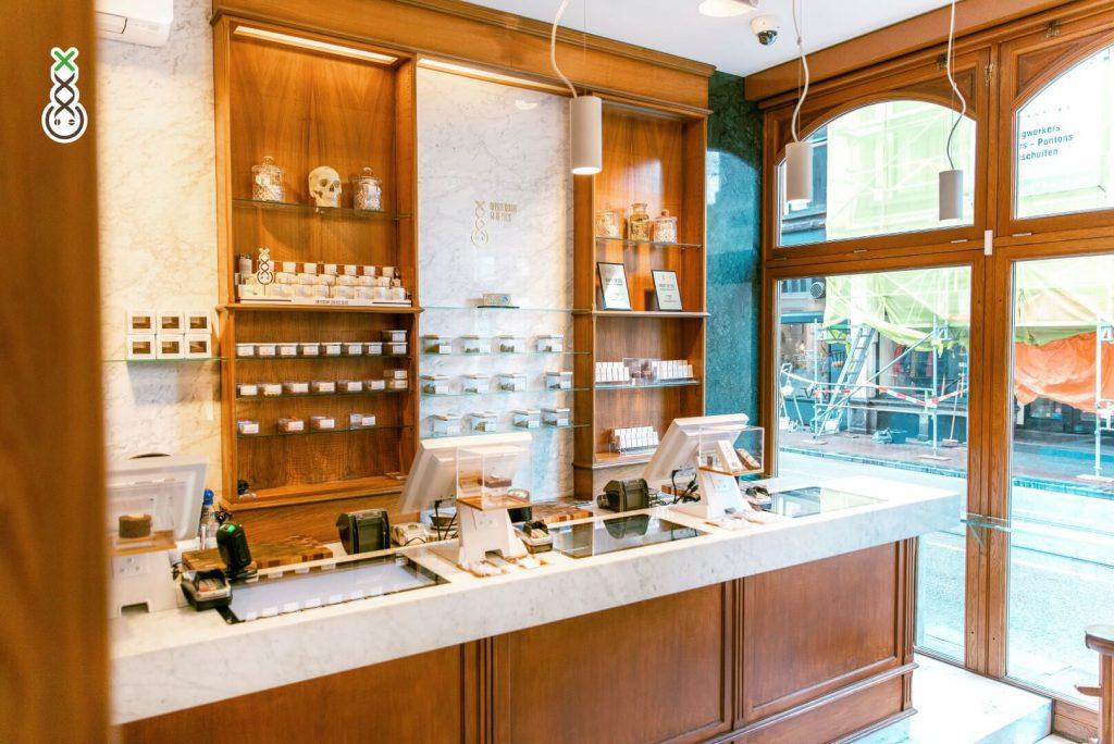 Best Coffeeshop Amsterdam - Boerejongens Center
