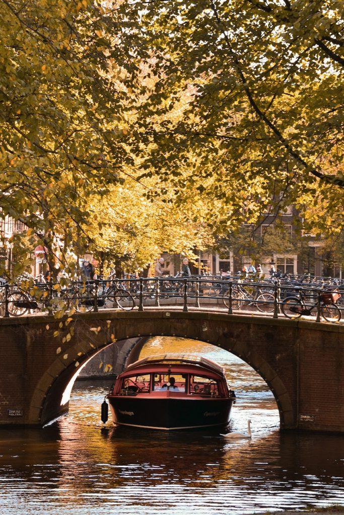 Valentine canal tour