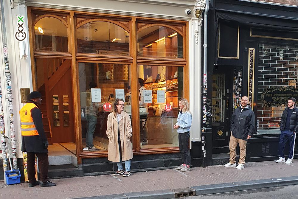AMSTERDAM COFFEESHOPS - SOCIAL DISTANCING CORONA VIRUS