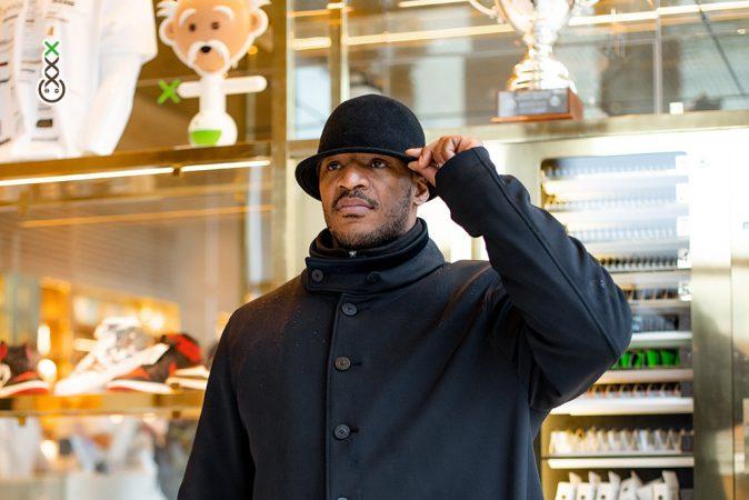 bowler hat host - boerejongens coffeeshop amsterdam